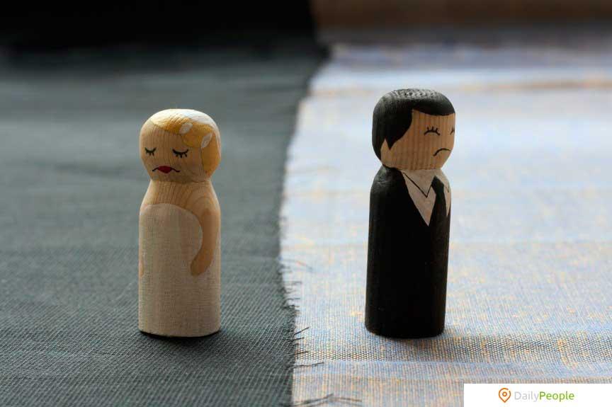 Развод незаконен на Филиппинах и Ватикане