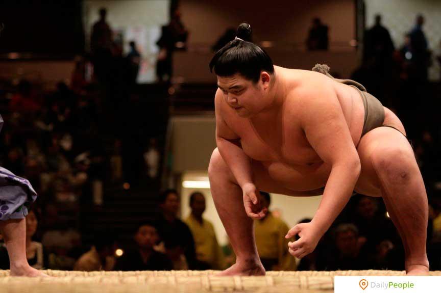 В Японии незаконно весить больше определенной нормы