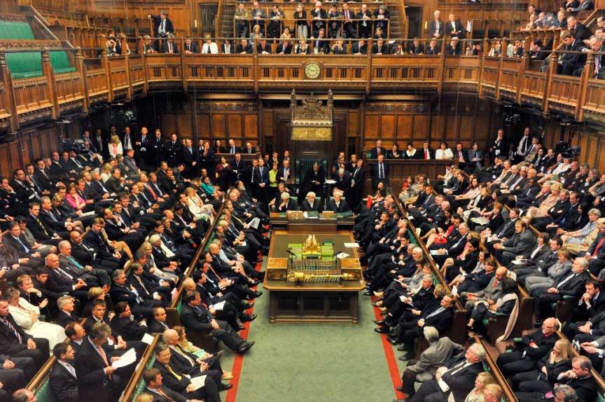 В Великобритании противозаконно умереть в парламенте