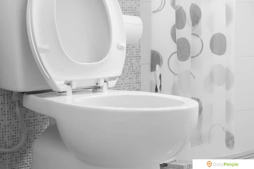езаконно спускать воду в туалете после 22:00 в Швейцарии