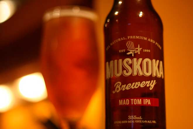 Американский светлый эль «Сумасшедший Том» от Мускока (Muskoka Mad Tom IPA)