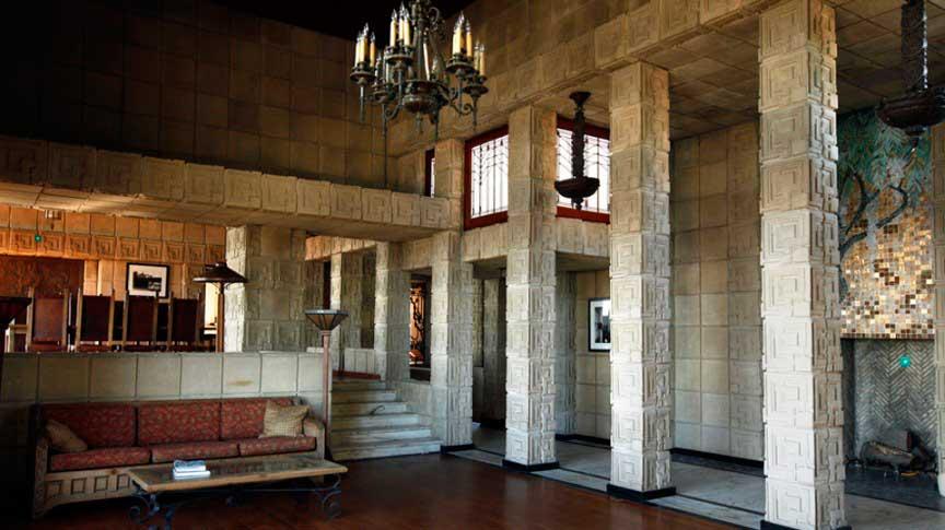 Ennis House: «Бегущий по лезвию»