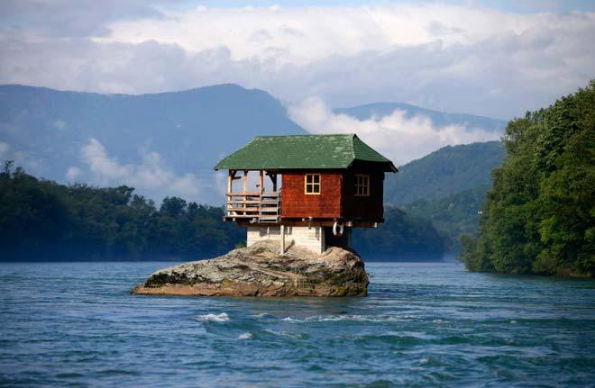 Дом на скале – Bajina баста, Сербия