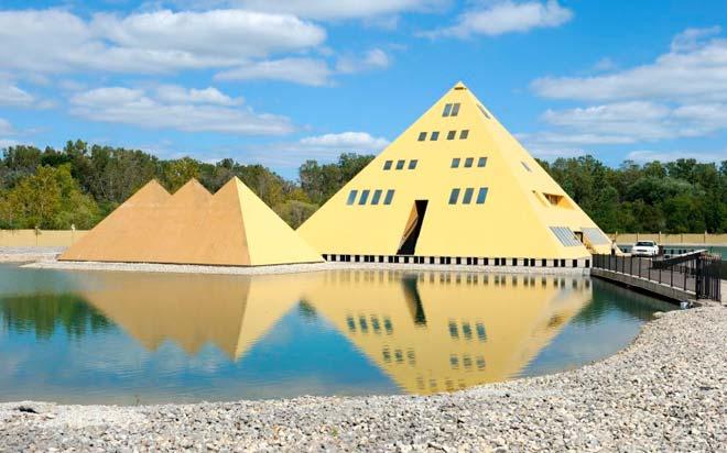 Золотой дом пирамиды – Уодсуорт, Иллинойс, США