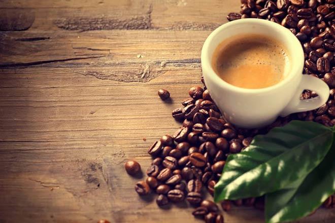 В эспрессо больше кофеина, чем в кофе, сваренном в кофеварке