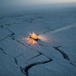 Чтобы отследить изменения в морском льду, норвежское научно-исследовательское судно Лэнс дрейфовало с льдинами в течение пяти месяцев в 2015 году.